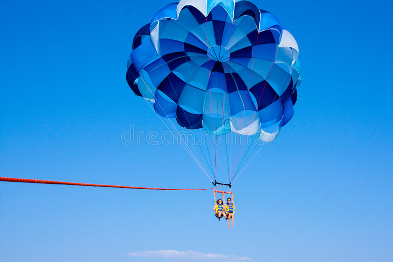 parasailing niebo zdjęcia royalty free