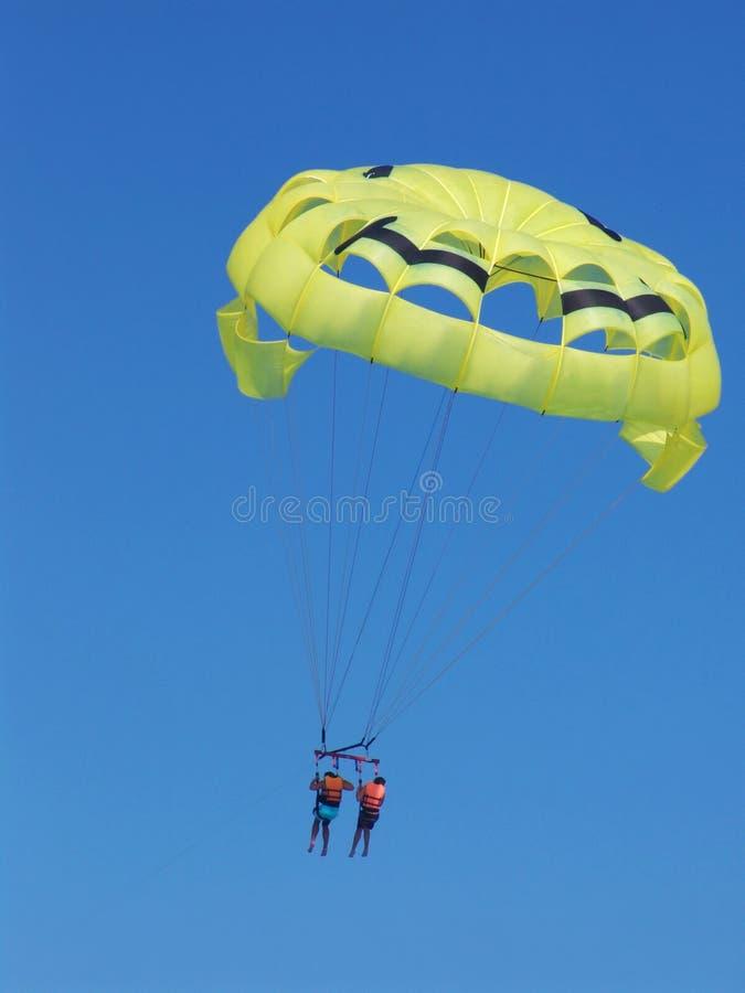 Download Parasailing In Tandem, Cancun, Messico Immagine Stock - Immagine di fuga, cancun: 3884979