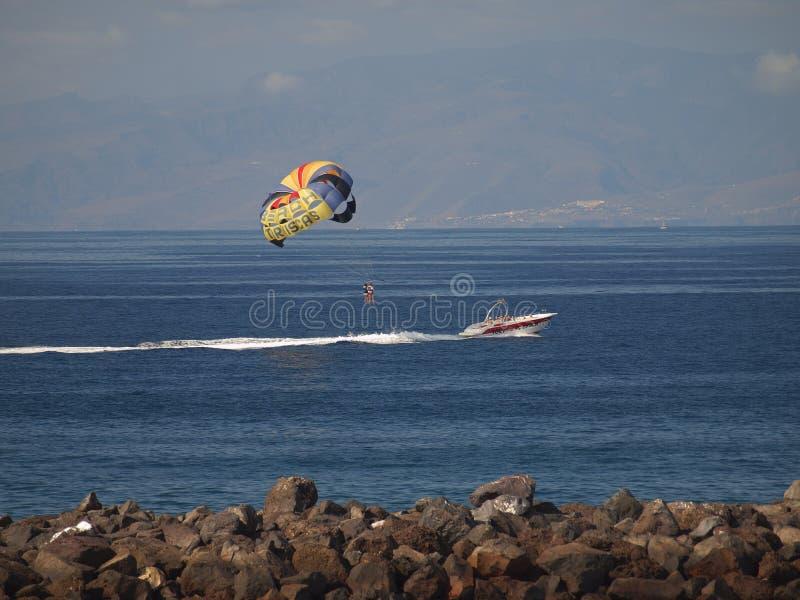 Parasailing w Tenerife obrazy stock