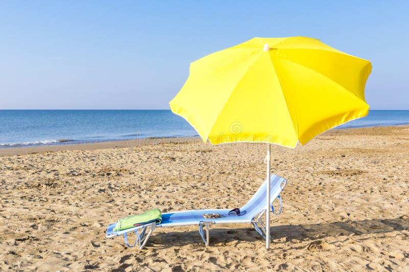 Parasol na plaży obrazy royalty free