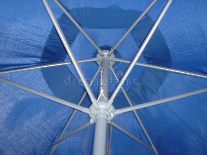 Download Parasol patio zdjęcie stock. Obraz złożonej z parasol, lato - 139084