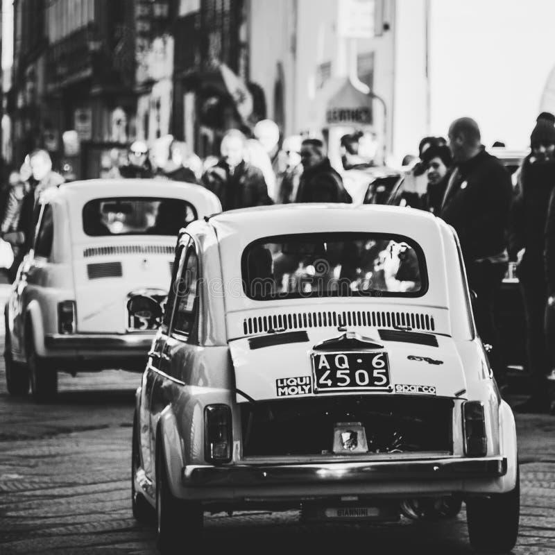 Parata d'annata dell'automobile fotografie stock libere da diritti