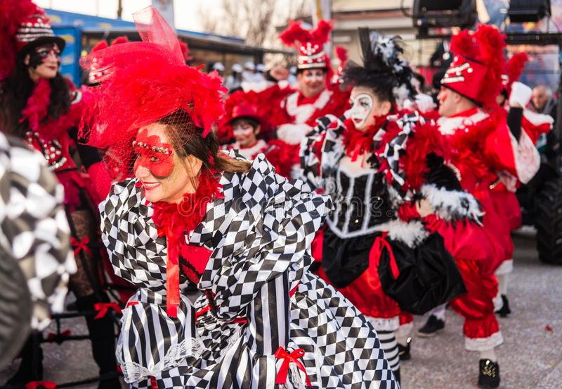 Parata di apertura di Viareggio della 145th edizione del carnevale in Viareggio, Italia fotografia stock