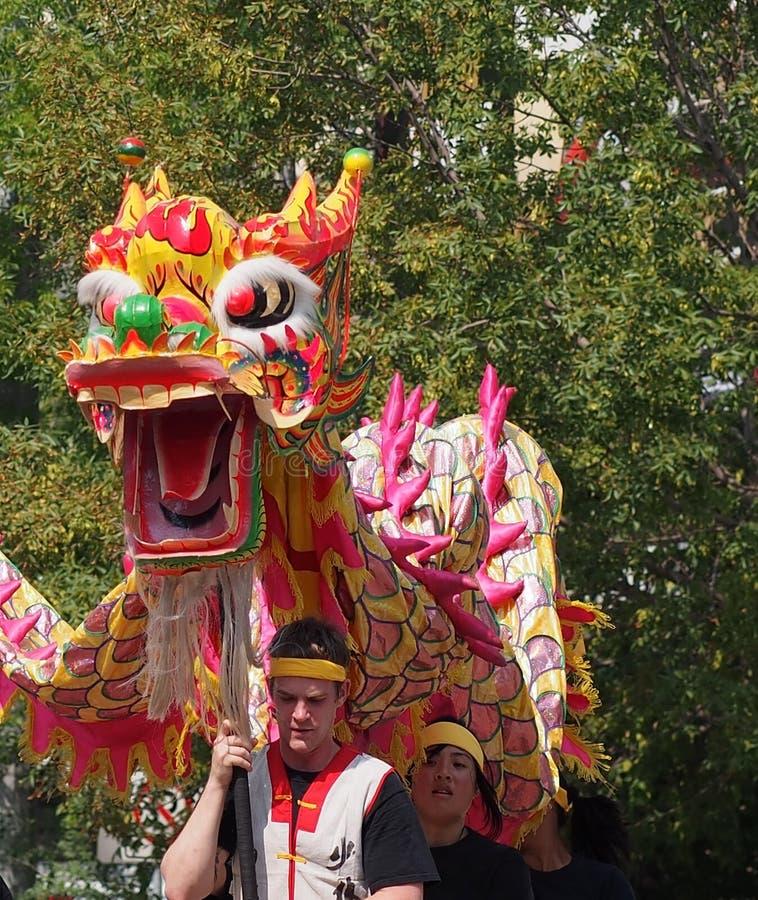 Parata di K-giorni di Lion Dancer In di cinese fotografie stock libere da diritti