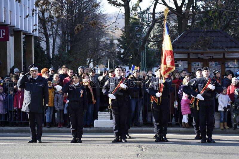 Parata militare durante il cerimoniale di una festa nazionale rumena fotografia stock