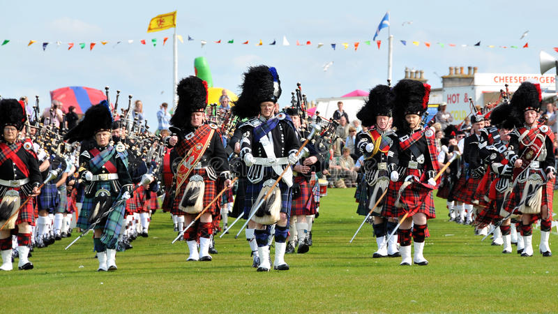 Parata scozzese dei tubi ai giochi dell'altopiano di Nairn fotografia stock libera da diritti