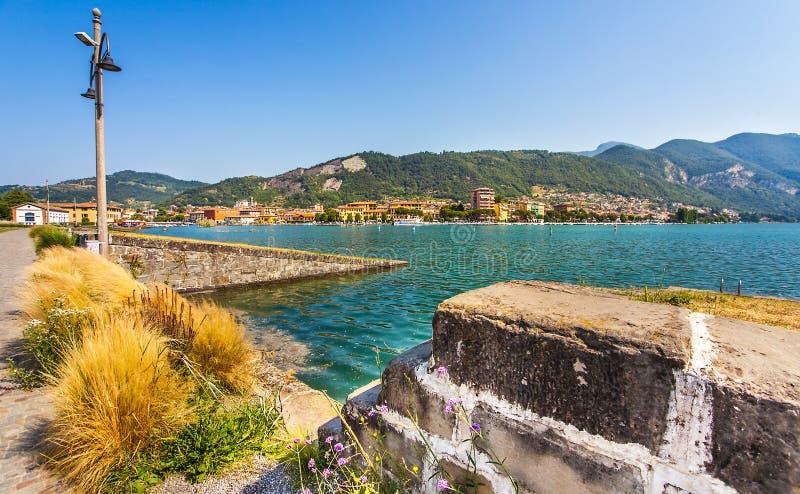 Paratico und Sarnico auf dem Lago d Iseo in Italien lizenzfreie stockfotos