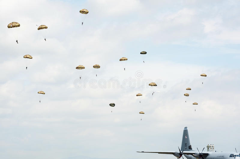 Download Paratroopers In The Air During Airshow Editorial Photography - Image: 14530547