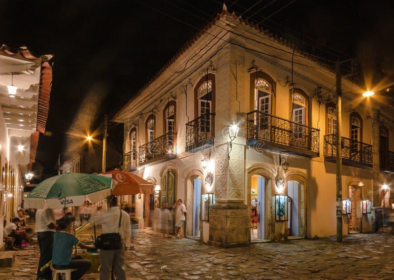Paraty historisk stad på natten royaltyfria bilder