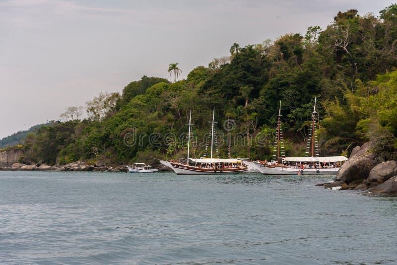 Paraty zatoka Rio De Janeiro Brazylia i łodzie zdjęcie stock