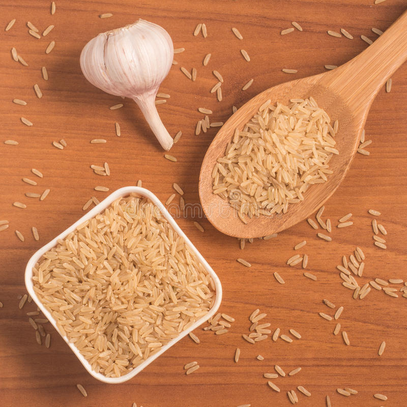 Parbolizado integrale di agulhinha del riso Riso sbramato intero immagini stock libere da diritti