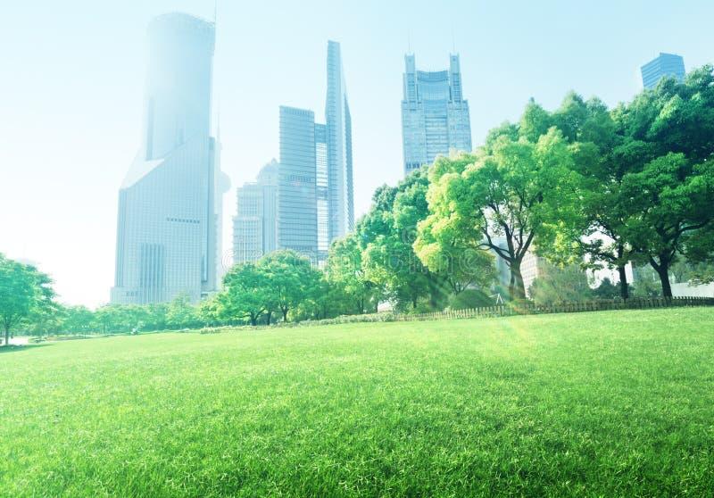 parc à la place financière de lujiazui, Changhaï photographie stock
