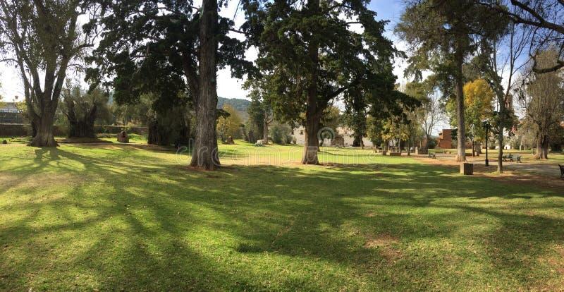 Parc caché par Patzcuaro dedans en centre ville photos libres de droits