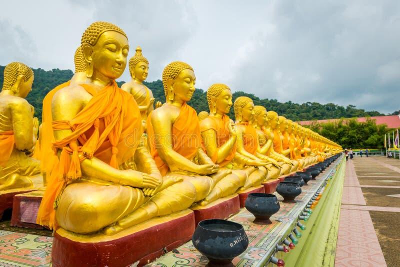 Parc commémoratif bouddhiste de Makha Bucha dans Nakhon Nayok, Thaïlande photos stock