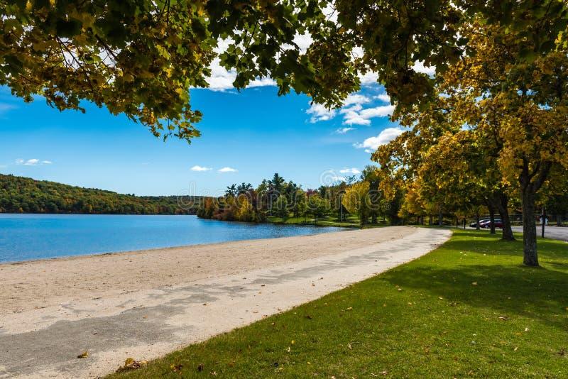 Parc d'état de Taghkanic de lac - Ancram, NY photographie stock libre de droits