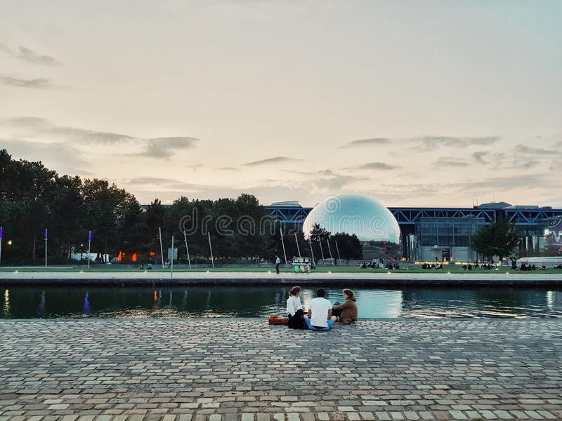 Parc de Λα Villette, πάρκο ύφους deconstruction στη μετα σύγχρονη περίοδο, Παρίσι, Γαλλία στοκ εικόνα