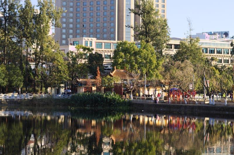 Parc de Chuiu et lac vert photo stock