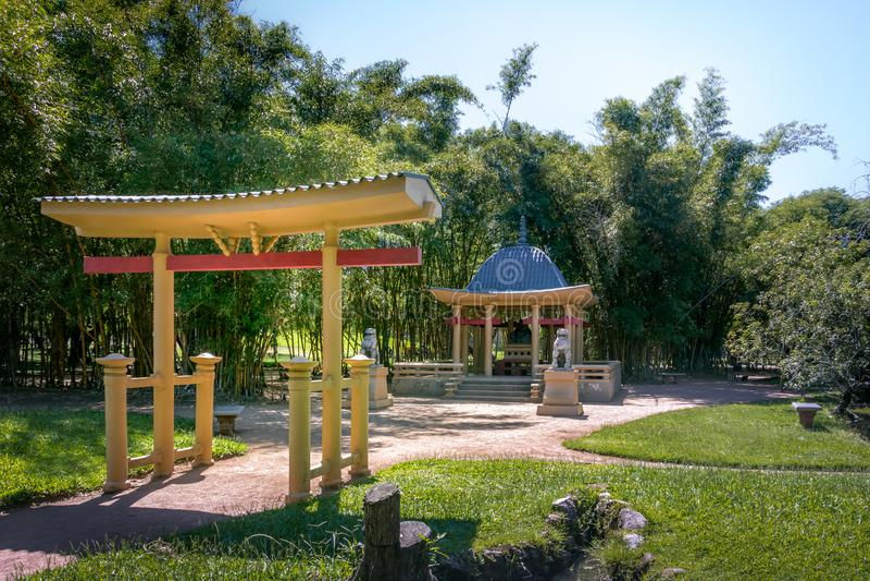 Parc de Farroupilha ou pavillon chinois de parc de Redencao - Porto Alegre, Rio Grande font Sul, Brésil photos stock