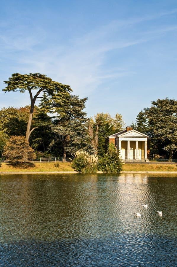 Parc de Gunnersbury, Brentford, Londres, R-U images stock