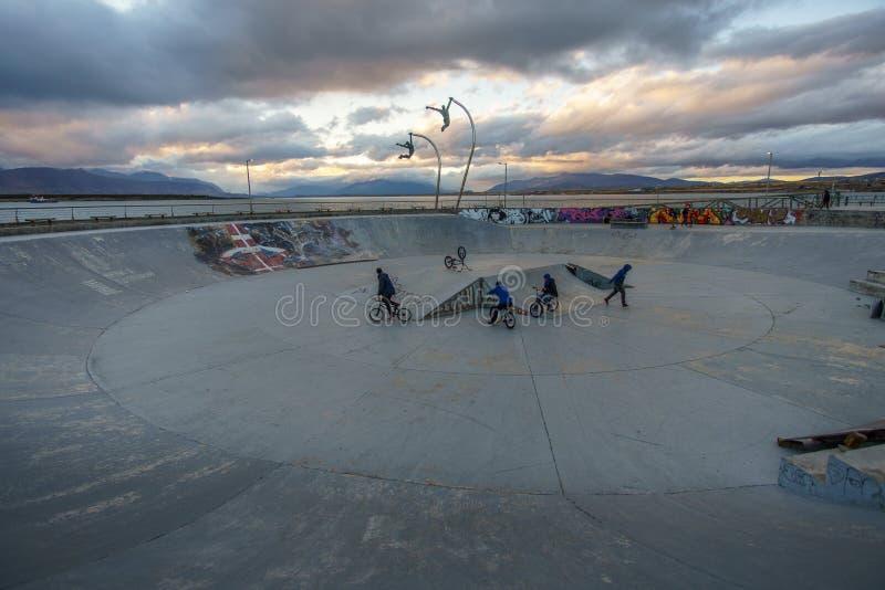 Parc de patin dans le Patagonia pendant le crépuscule image libre de droits