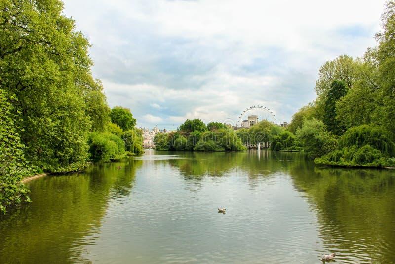 parc de St Jameses photos stock