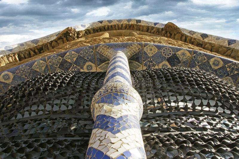 Parc Guel有mozaic的巴塞罗那西班牙 库存照片