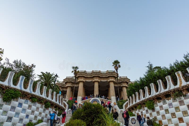 Parc Guell, escaliers principaux à Sala Hipostila Barcelone photographie stock