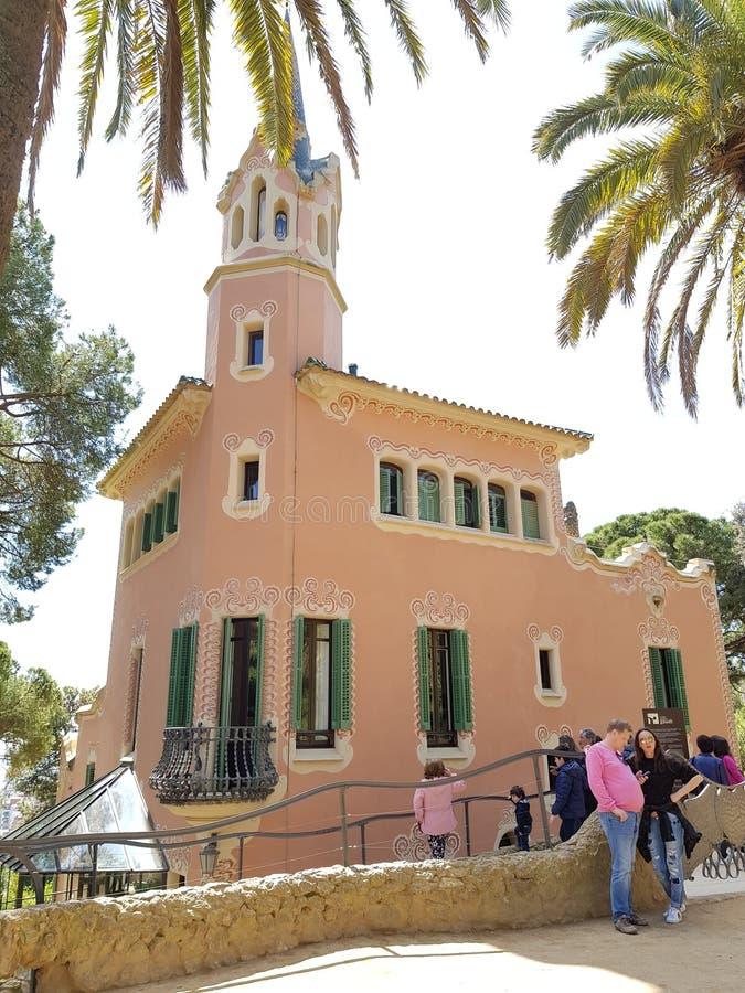Parc Guell et Gaudi& x27 ; maison de s à Barcelone photos stock