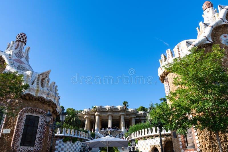 Parc Guell i Sala Hipostila, główne wejście monumentalny schodek Barcelona zdjęcia royalty free