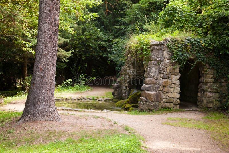 Download Parc Historique Dans Mauvais Kösen Photo stock - Image du sourire, mythique: 45359486