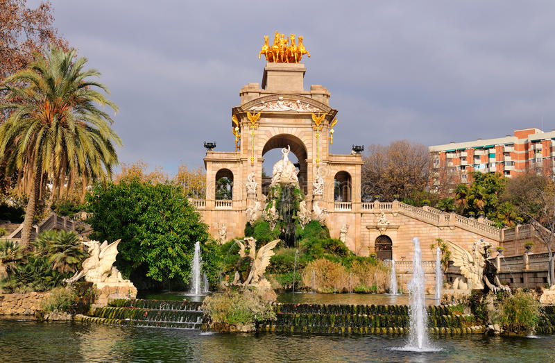 parc la barcelona ciutadella de фонтана стоковое фото