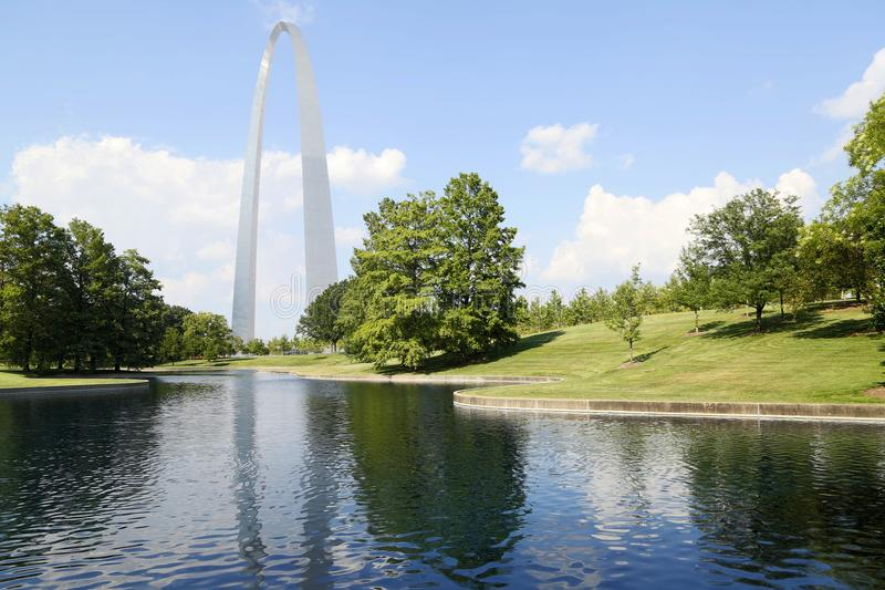 Parc MOIS Etats-Unis de Nationa de voûte de passage de points de repère de St Louis photographie stock libre de droits