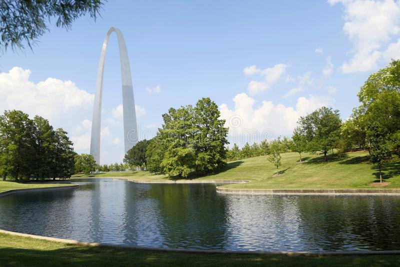 Parc MOIS Etats-Unis de Nationa de voûte de passage de points de repère de St Louis images stock