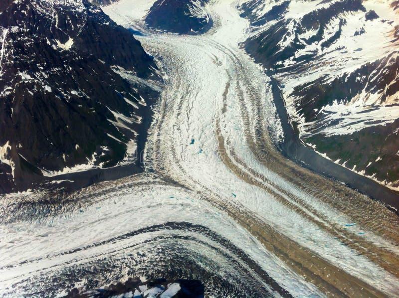 Parc national Alaska de Denali d'écoulement de glacier images libres de droits