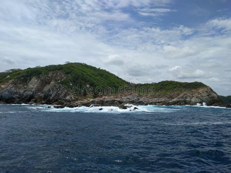 Parc national de Huatulco et l'océan pacifique images libres de droits