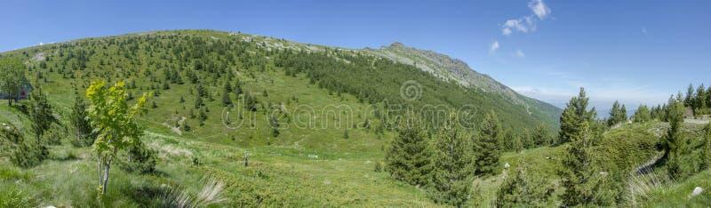 Parc national de Pelister, Macédoine - emplacement - hutte de montagne de Shiroka photos stock