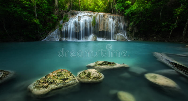 Parc national Kanjanaburi Thaïlande de cascade d'Erawan photographie stock libre de droits