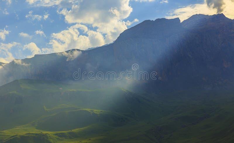 Parc national Shahdag (Azerbaïdjan) de montagnes images libres de droits