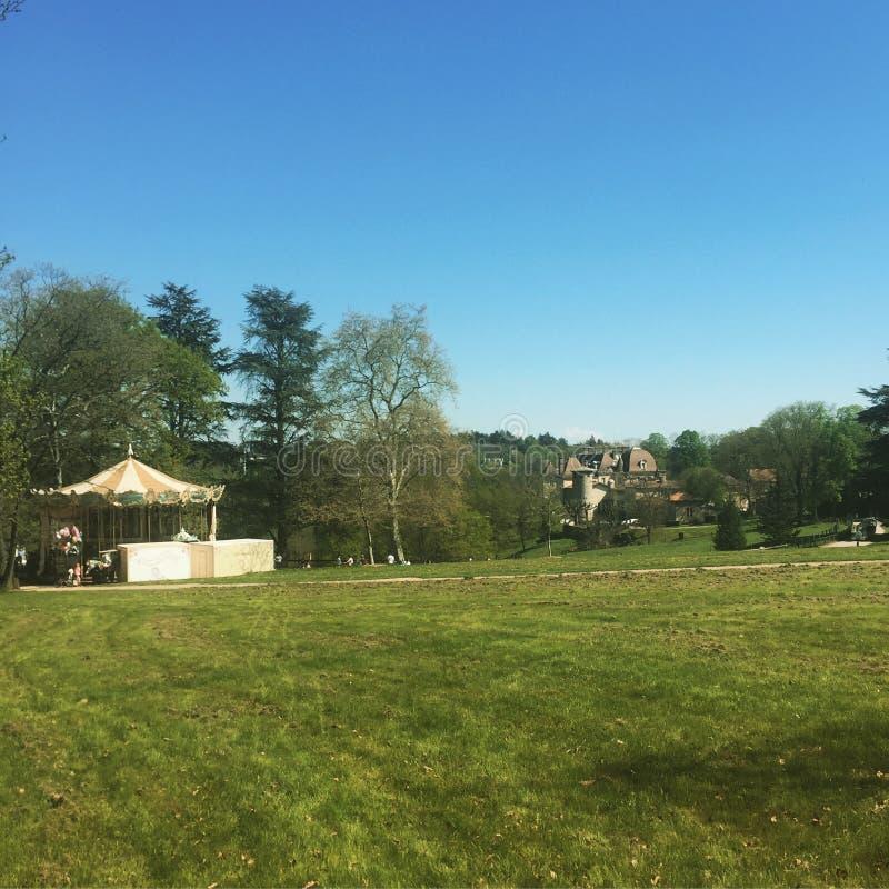 Parc parkerar lyon Frankrike himmel arkivbild