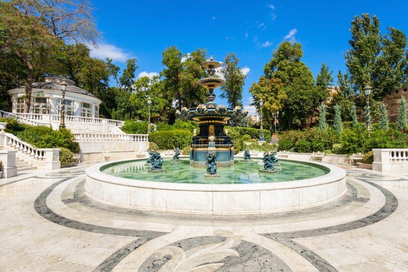 Parc philharmonique de fontaine, Bakou images stock
