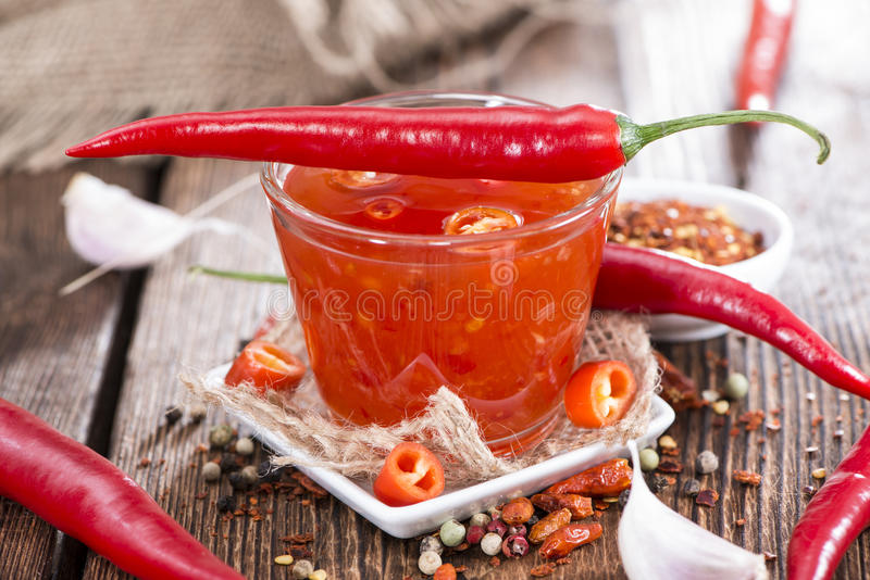 Parcela de Chili Sauce fresco imagem de stock