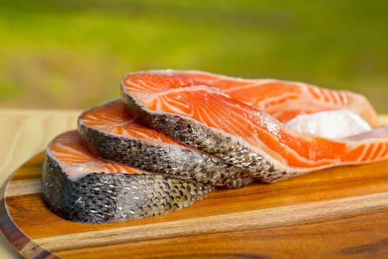 Parcela deliciosa de faixa salmon fresca foto de stock