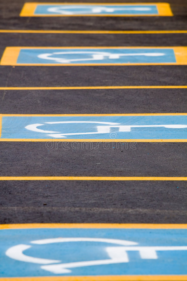 Parcheggio andicappato soltanto fotografia stock libera da diritti