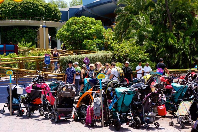 Parcheggio del passeggiatore di Disneyland immagini stock libere da diritti