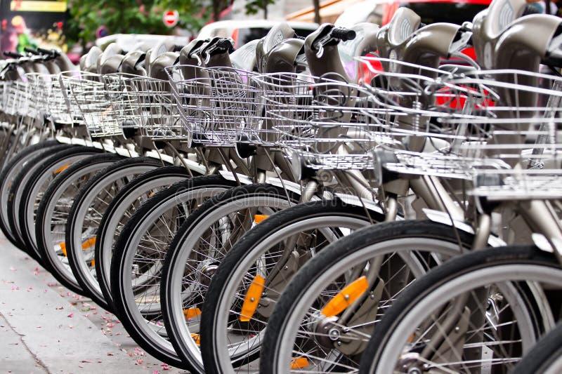 Parcheggio delle biciclette fotografia stock libera da diritti