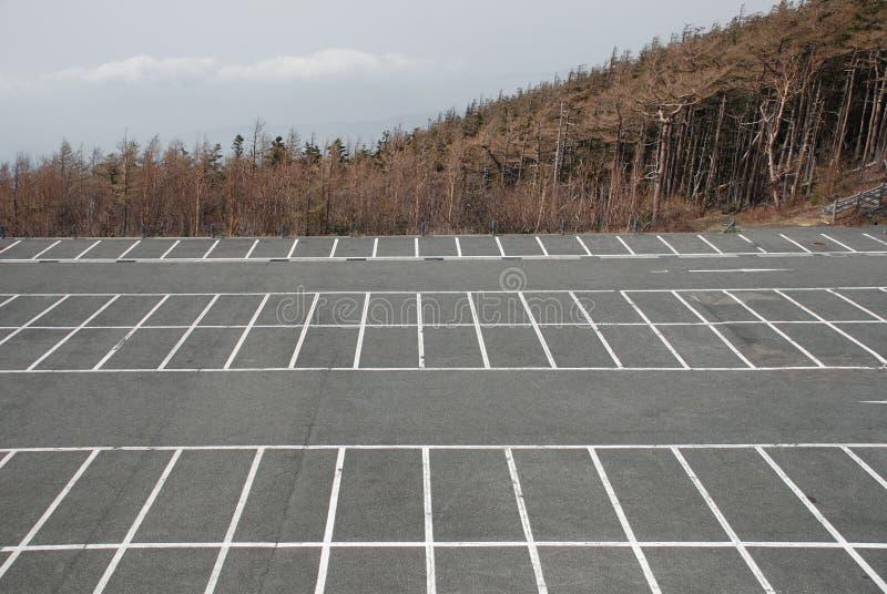 Parcheggio vuoto a Fuji immagine stock