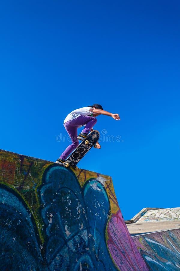 Parco del blu della rampa del skateboarder fotografia stock