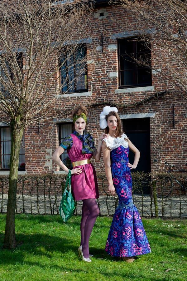 Parco del vestito da alte mode delle donne fotografie stock libere da diritti