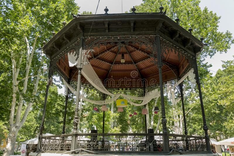 Parco di Zrinjevac a Zagabria nell'ora legale fotografia stock