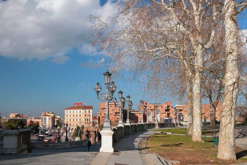 Parco e città di Montagnola Bologna, Emilia Romagna, Italia fotografie stock libere da diritti